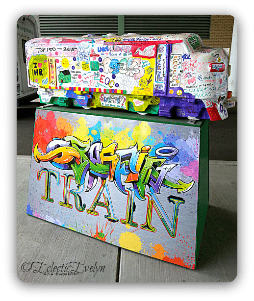 Graffitti Train #WordlessWednesday EclecticEvelyn.com