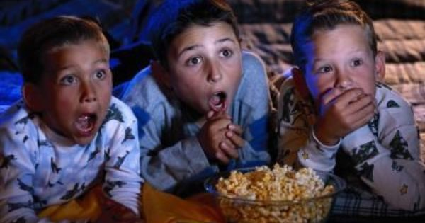 5 Family Friendly 90's Kids Halloween Movies EclecticEvelyn.com